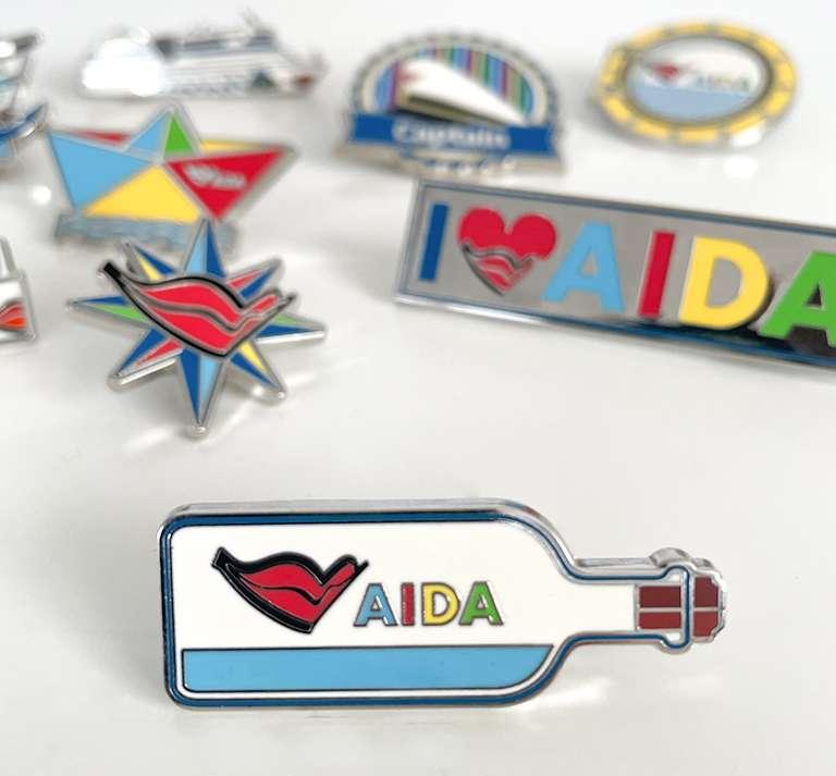 AIDA-Brosche2
